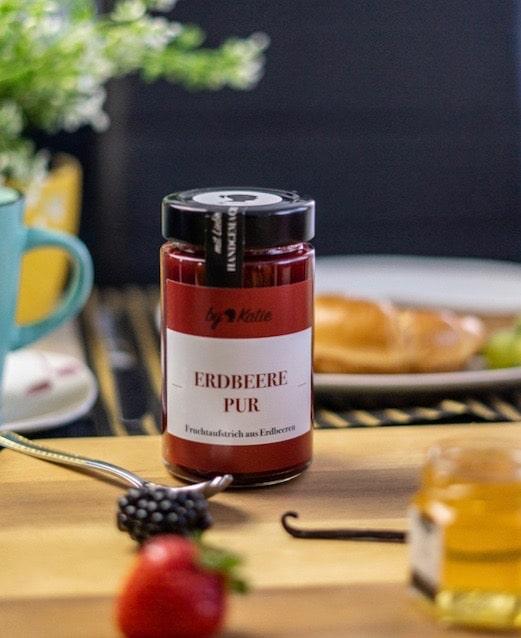 Glas Erdbeer-Marmelade