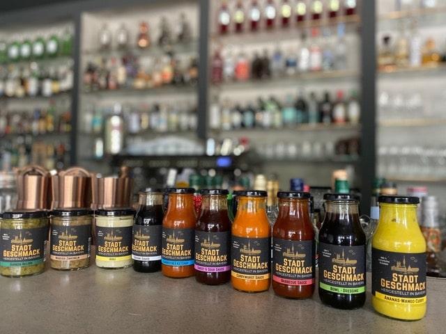 Stadtgeschmack Saucen verschiedene Sorten in Flaschen
