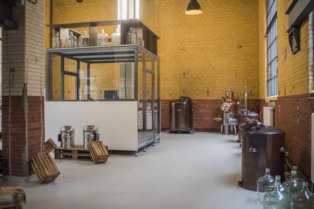 Die Gläserne Schnapsmanufaktur von Mampe Berlin im Sudhaus