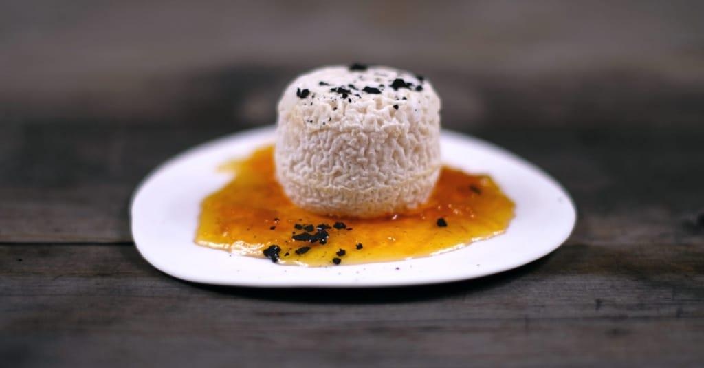 Käse mit Zwiebelmarmelade von TastyAcccent