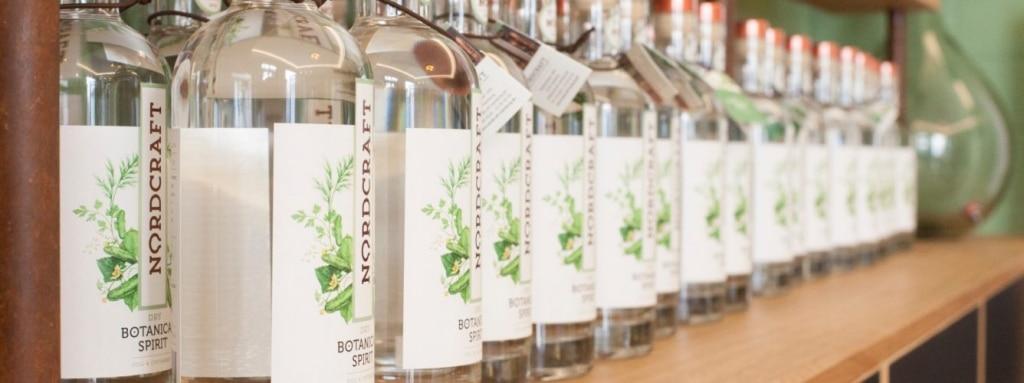 Flaschenreihe Kräuterdestillate von NORDCRAFT