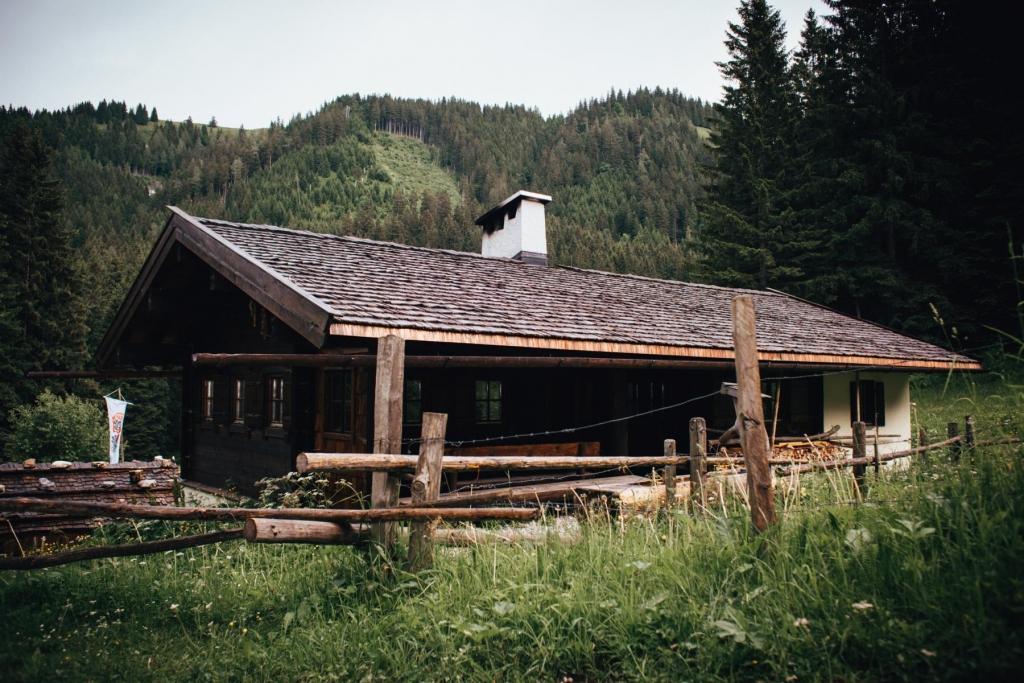 Brennhütte von Whobertus Dry Gin