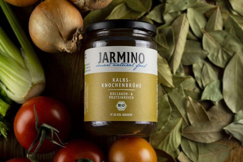 Kalbsbrühe von Jarmino mit Gemüse