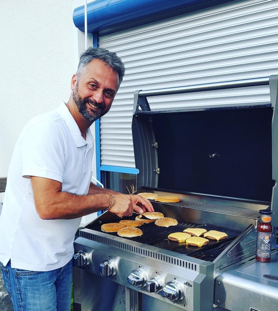 Stefan Weigel von BlackBBQ am Grill