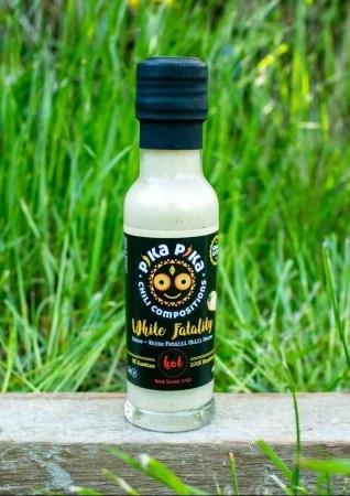 White Fatality Chilisauce mit Kokosmilch von Pika Pika Chili Compositions