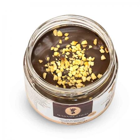 Haselnuss-Schokoladen Creme mit Haselnüssen vegan
